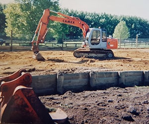 Camex Civil - History - 1998 Cambridge Excavators First Digger